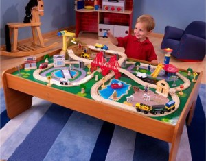 dd KidKraft Ride Around Town Train Set with Table